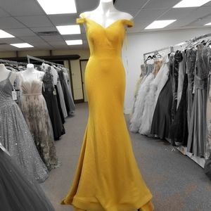 Dresses & Skirts - Prom evening gown formal pageant dress